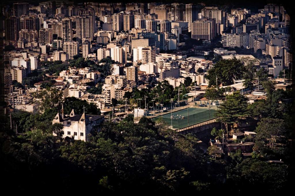 15 FAVELA RIO DE JANEIRO