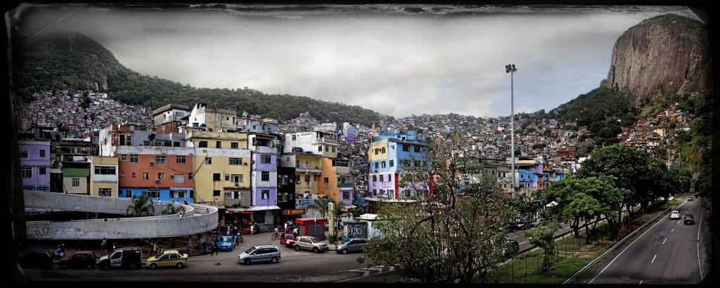 18 FAVELA RIO DE JANEIRO