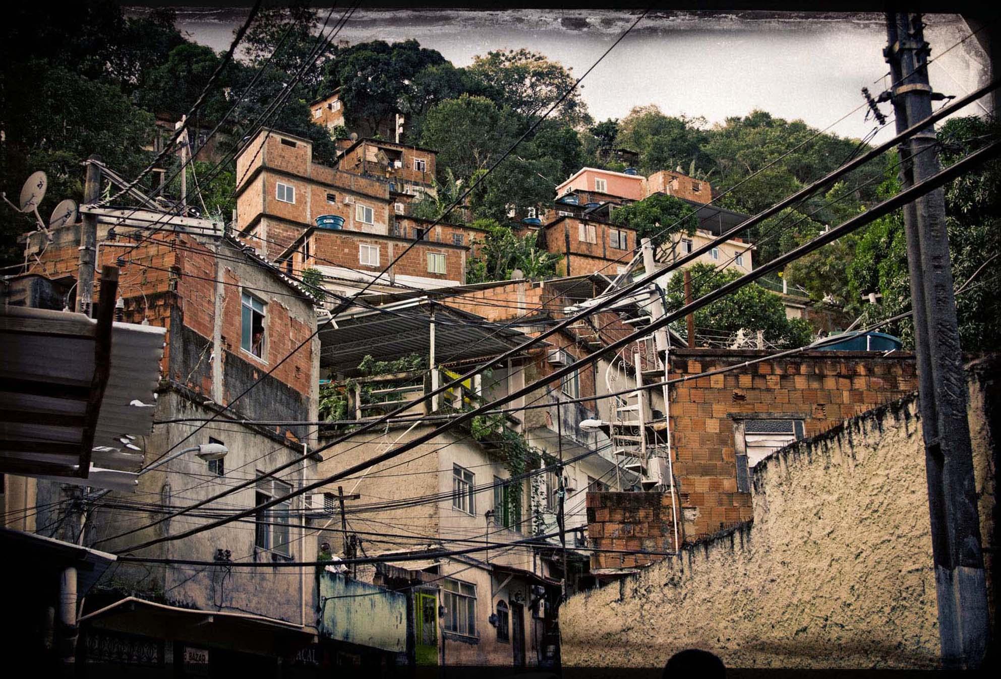 FAVELA RIO DE JANEIRO COPERTINA